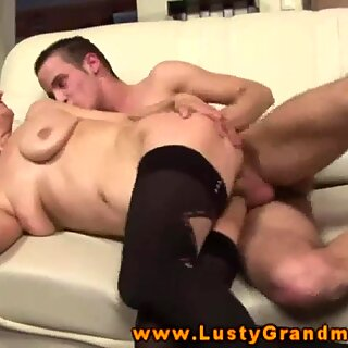 Granny amateur in stockings fucked from this lucky guy - Re