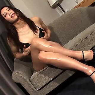 Dickriding asian ts facialized in the bedroom
