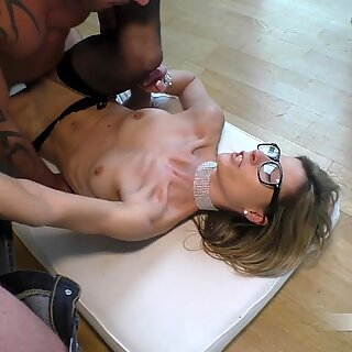 Brazen tensioner! Passerby films me fucking and gives me his foreign sperm!