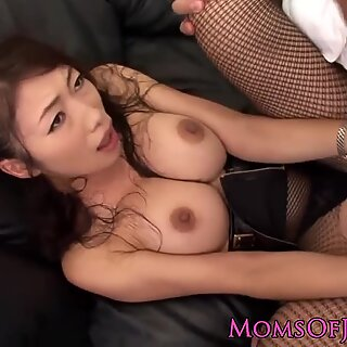 Japanese beauty with big tits gets a cumshot